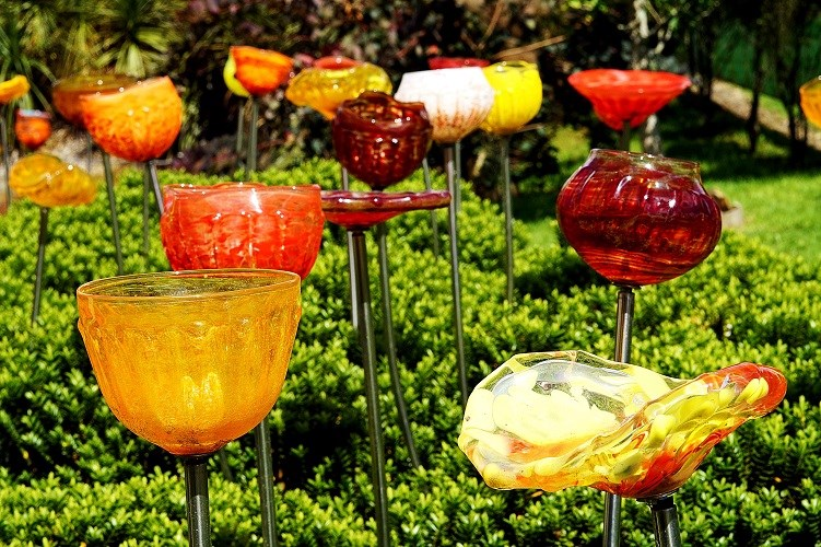 Lava Glass Sculpture Garden Glass Flowers Red