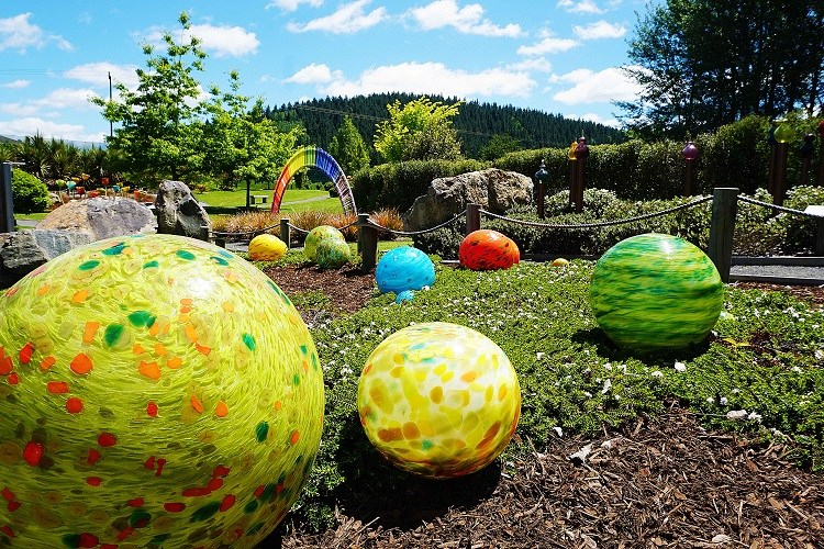 Lava Glass Sculpture Garden Spheres (1)